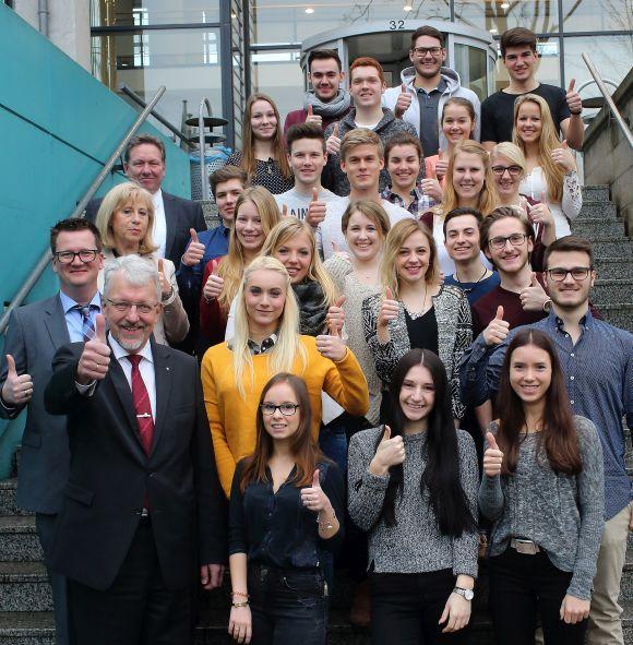 Siemens-Auszubildende beginnen mit Management-Studium