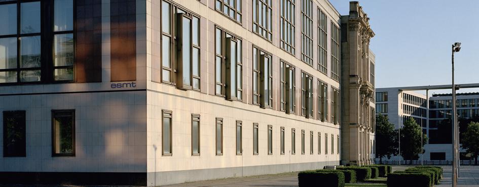 ESMT Berlin erneut von AACSB akkreditiert