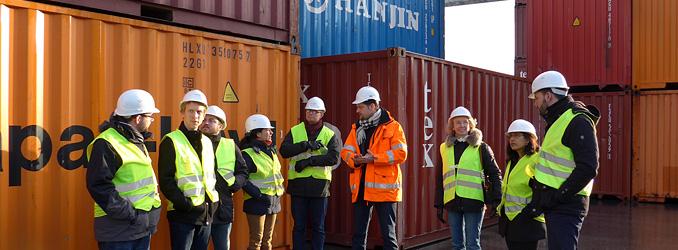 Logistik berufsbegleitend studieren - jetzt informieren