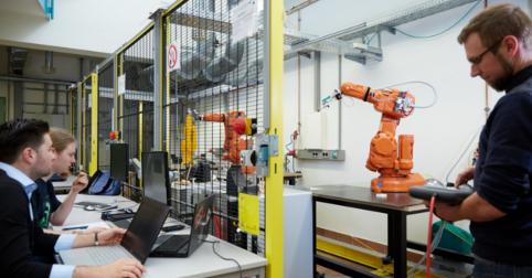 Hochschule Aschaffenburg stellt zwei Fernstudiengänge im Bereich Elektrotechnik vor