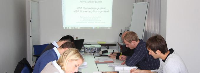 Berufsbegleitend zum MBA in Augsburg – auch ohne Erststudium