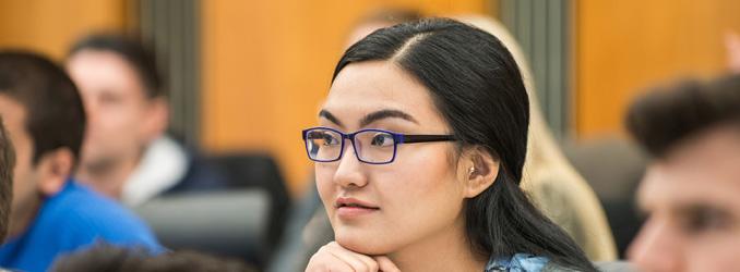 ESMT Berlin vergibt Stipendien für Frauen in Führungspositionen