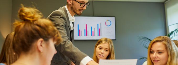 Cologne Business School führt Studienspezialisierungen mit digitalem Schwerpunkt ein